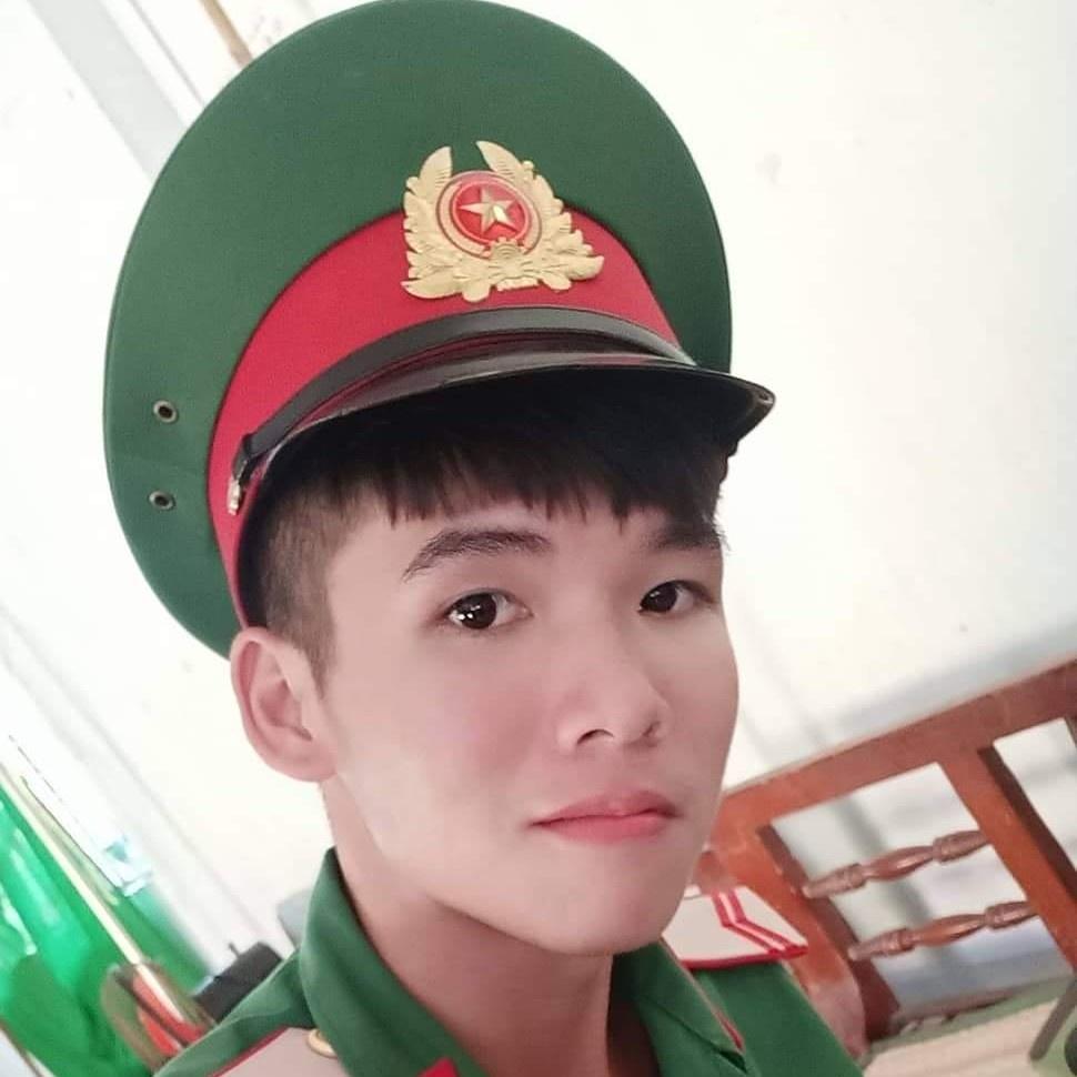 Hồng Ngoan - 2154202300