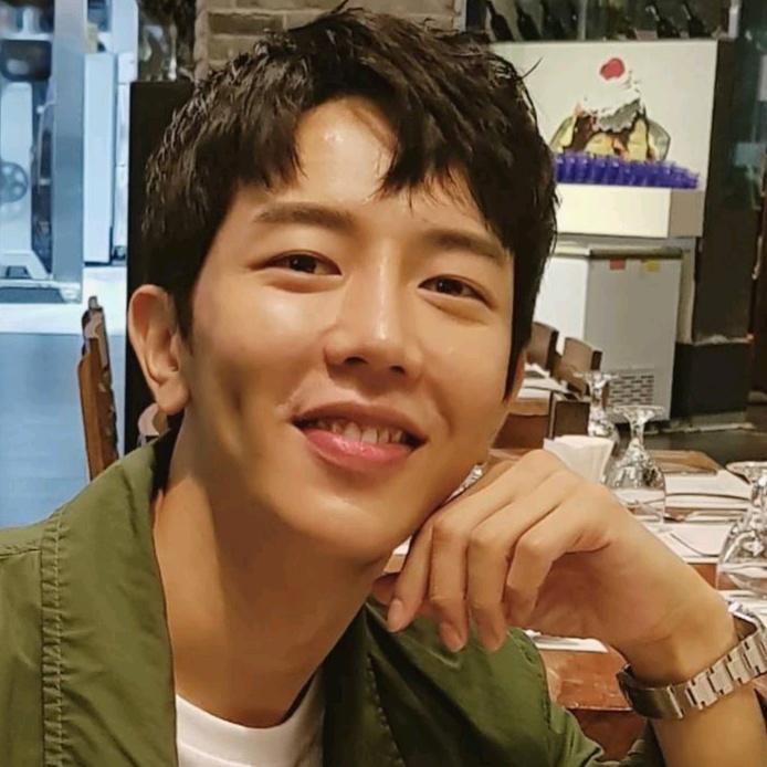 한국오빠종민  jongmin - jongmineyo