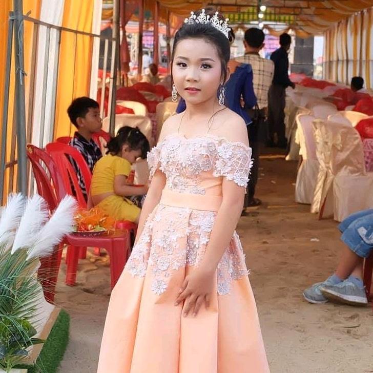 Venh Seav Hang - 31692179753