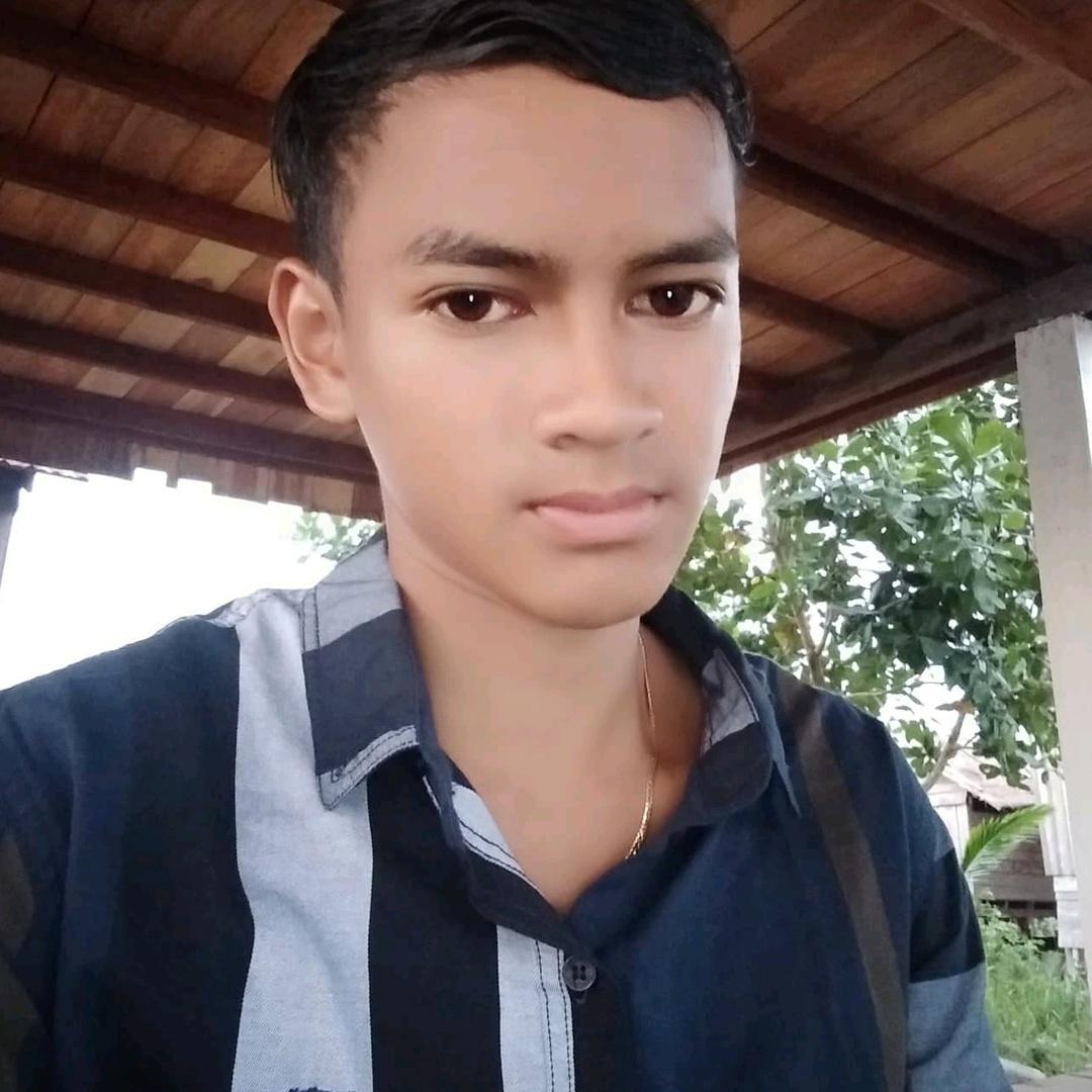 Kmeng Khmer Sigol - 31188957481
