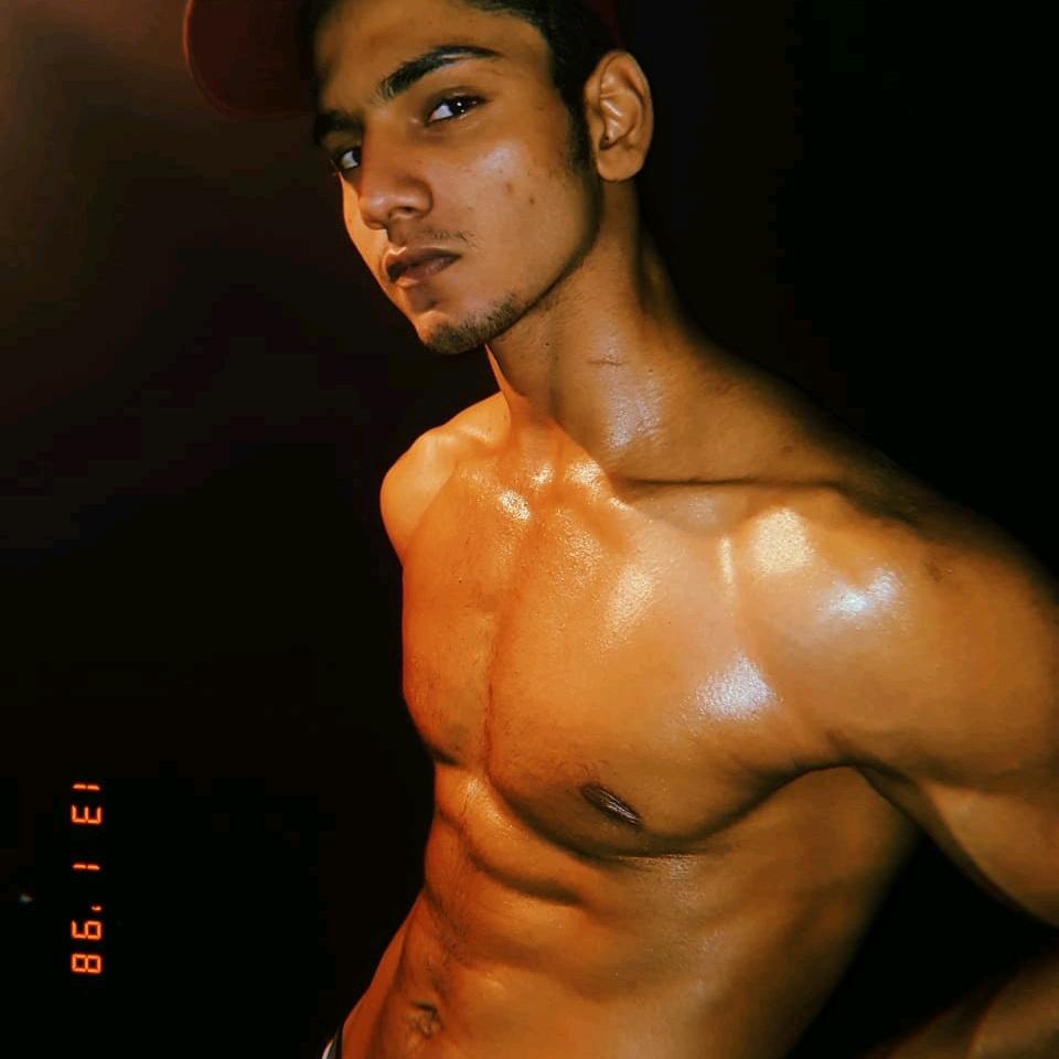 Amaan Hashmi - amn_hashmi69