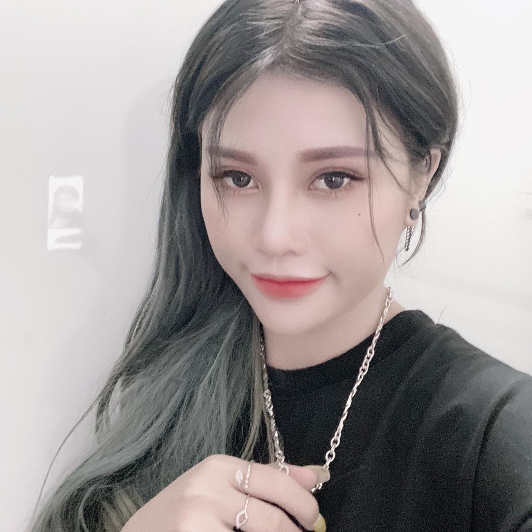 Nana Liu ???? - n937814200