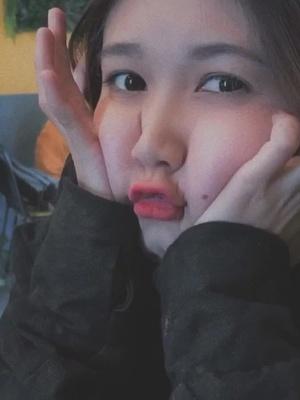 Xu.WallaceHuo - @letrananhxuyen - Cách để chụp ảnh mặt bớt bự là lấy tay che đi :)) #vsco #callmemaybe #facechange #omgschallenge