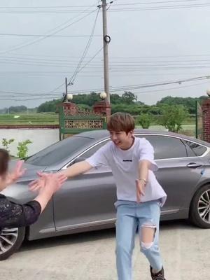 한국오빠종민 jongmin - @jongmineyo - 할머니 감사합니다!😄Thank you, Grandma😄#comedy #korea #korean #seoul #kpop