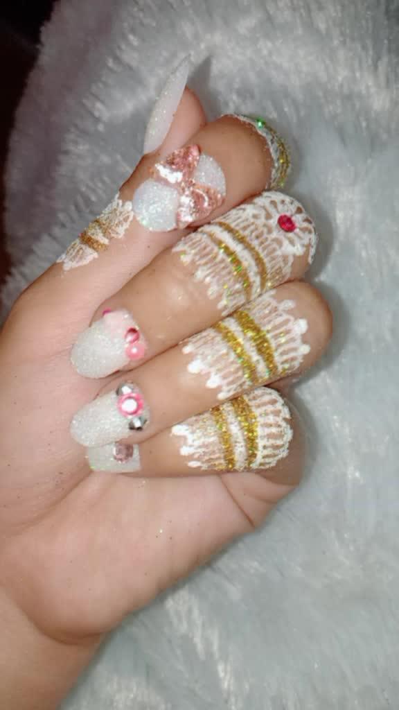 iseng bikin dan lagi ga mood buat ngehenna alhasi B azaa ?#henna #hennawedding #hennabyme ?